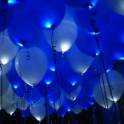 Белые + Синие светящиеся шары