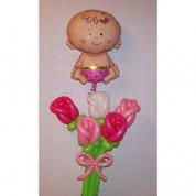 Букет роз с малышкой на выписку